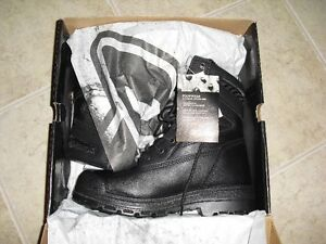 REDUCED-Brand New men's Dickies Safety boots (still in box) Cambridge Kitchener Area image 2