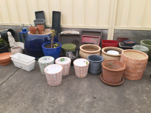 Pots lots of different sort,New  ones and used come look.  Reservoir Darebin Area Preview