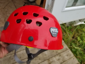 Casque/ helmet Petzl small escalade hard shell