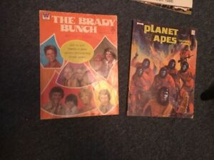 1970's vintage Colouring books Planet of the apes & brady bunch