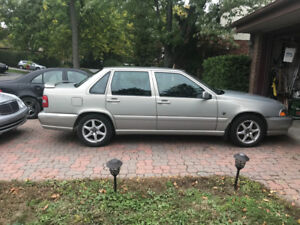 Volvo S70 Year 2000 Pristine Condition & 2 sets of tires & rims