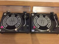 Technics 1210 mk2 turntables pair boxed mint condition