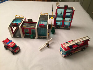 Lego #7208: Fire Station