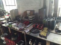 Cloue, coffre à outils, vise, tupi, crochets, quincaillerie