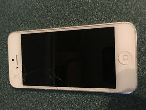 white iphone 5-32GB ( ROGER )