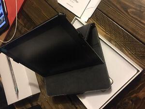 Still in box iPad 2. 32G. Wifi Edmonton Edmonton Area image 6