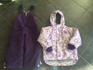 Girls size 5 CDI snowsuit