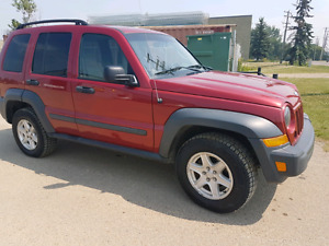 2007 jeep liberty sport nice shape and reliable no fixes needed!
