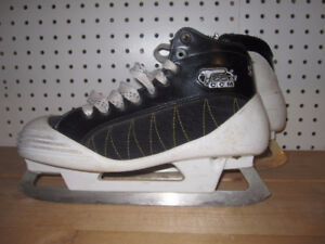 Senior Goalie Skates Size 7 (CCM Tacks 550)