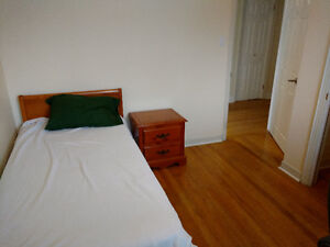 Bright Clean Furnished Bedroom Near MUN and HSC