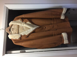 MINT CONDITION.   Men's Shearling Sheepskin Leather Coat.