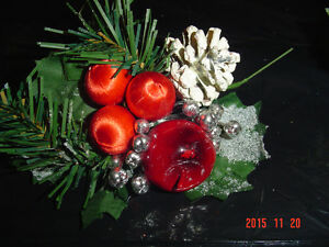 SELECTIONS OF CHRISTMAS PINE CONE PIC ACCENTS FOR DECORATING Windsor Region Ontario image 3