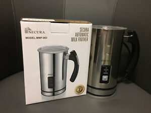 Electric Milk Frother and Steamer (Like New)