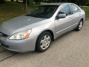 Extra Clean Honda Accord 4 cylinder Priced low for quick sale