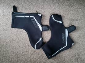 Ladies size 5 Waterproof, thermo cycle shoe covers