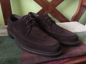 MEN'S HUSH PUPPIES BROWN SUEDE SHOES SIZE 10/43 ''NEW''