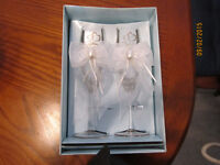 Set Of 2 Bride & Groom Champagne Glasses In The Box $20