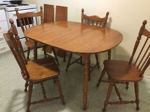 Table and 4 chairs - Free