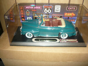 """""""3"""" Mint 1:18 FORD die cast in new show cases P/U ONLY"""