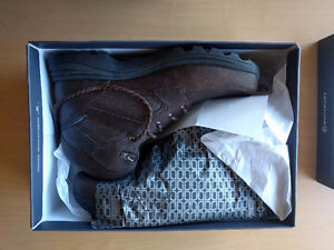 Brand new Rockport boots, waterproof!