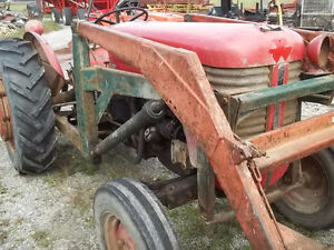 Massey Feruson 50 Gas with P.Steering Sarnia Sarnia Area image 4