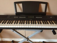 Full Size Yamaha Electronic Keyboard