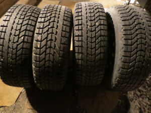 235 70 16 Winter Tires on 5 x 114.3 Steel Rims Ford Escape