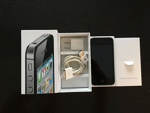 Apple iPhone 4s - Black - Unlocked