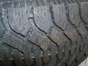 Two set of winter tires with 4 rim in to one set of p205-75R14 London Ontario image 3