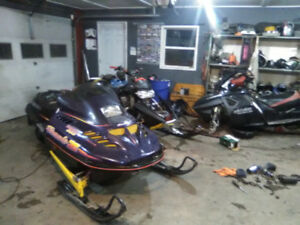 NICE !!SKI-DOO 583 TWIN. Heated. NEW track. ONLY 6000k w/PAPERS