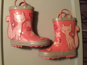 Like NEW!! Toddler girls rainboots worn once!! Size 9T
