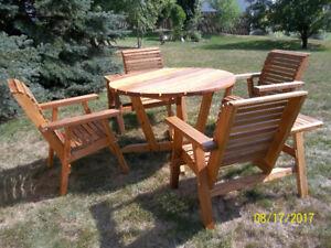 Cedar Patio Table & 4 Chairs