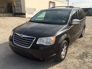 2008 Chrysler Town&countryTouring clean title/ private sale