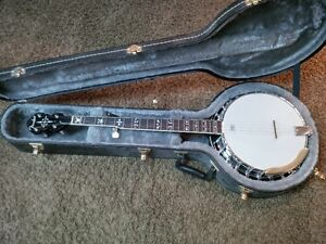 fender banjo with case, new strap and extra set of strings Cambridge Kitchener Area image 1