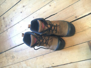 NEED GONE TODAY- women's steel toes boots, size 7.5