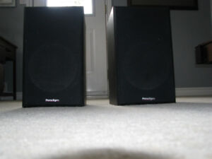 2 Paradigm Titan speakers