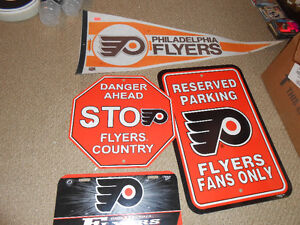 philadelphia flyers nhl scoreboard light and many collectables London Ontario image 6
