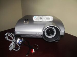 SHARP CONFERENCE PROJECTOR DUAL BULB