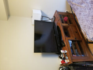 """TV Bench/Stand + 36"""" TV"""