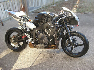 2007 honda cbr-600rr parts bike London Ontario image 7