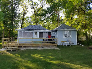 Peaceful lakefront getaway, only 40 minutes from perimeter,
