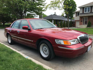 LOW Mileage - 2001 Mercury Gran Marquis