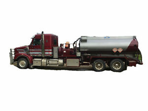 2015 FREIGHTLINER 122SD PRESSURE TRUCK Cash/ trade/ lease to own
