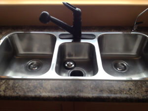 Stainless Steel Kitchen Sink & Faucet