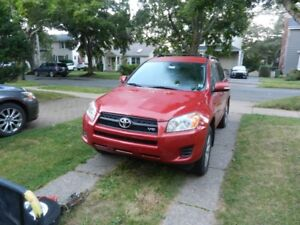 2012 Toyota Rav 4  v6 low kms  with 3rd row seat option