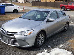 2016 Toyota Camry XLE Berline 4 cylindres
