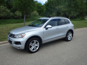 2014 VW Touareg Execline TDI - original owner, exc. condition