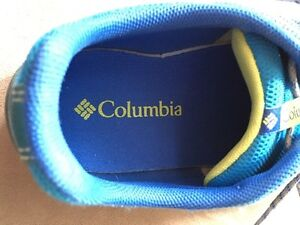 Columbia boys or girls youth running sport shoes Youth size 6 Kitchener / Waterloo Kitchener Area image 3