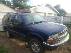 2000 Blazer, mechanic special/ parts vehicle