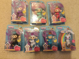 WHAT?RETAIL?! YUPFingerlings*2 FOR $55!!*PLAYSETS ALSO AVAILABLE